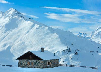 hut-alpen-min